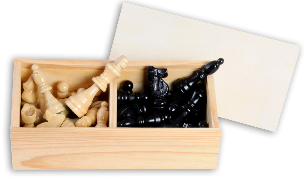 77mm Ash wood chess pieces in wooden box