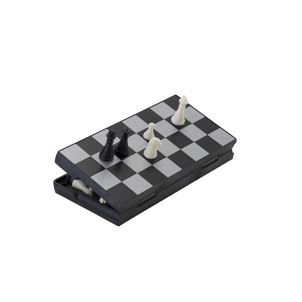 Small Magnetc folding Travel chess set