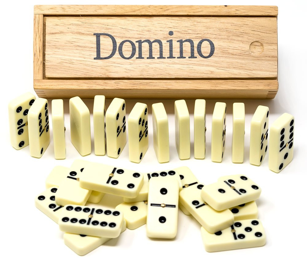 Double 6 dominoes in wooden box